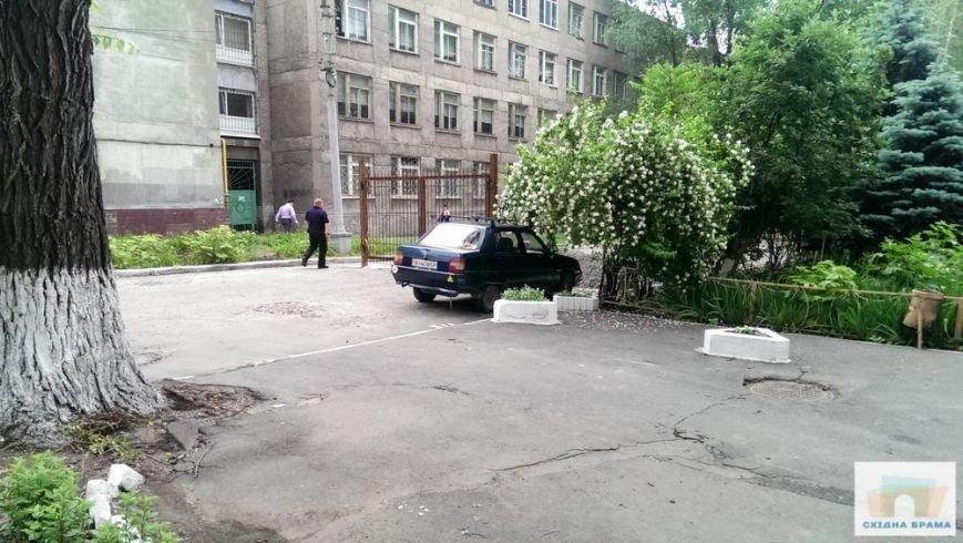В центре Мариуполя СБУ закрыла улицу для автомобилистов (ФОТО), фото-3