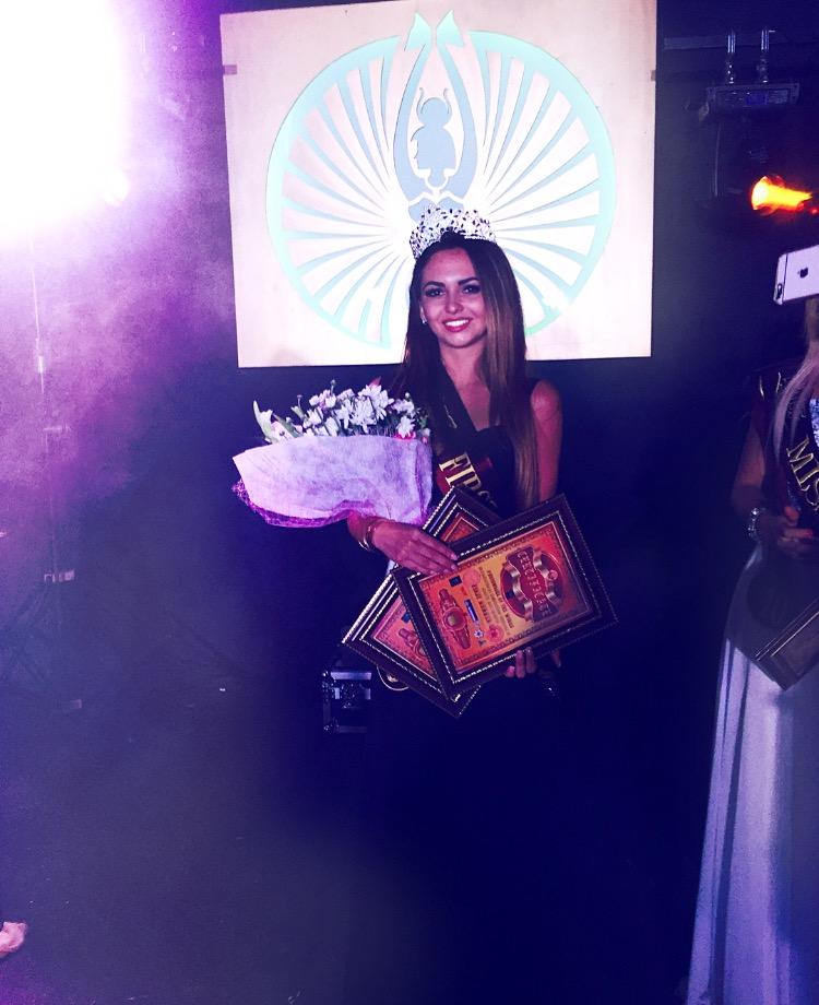 Королева красоты из Мариуполя Кристина Папакина любит спорт и естественность, фото-6