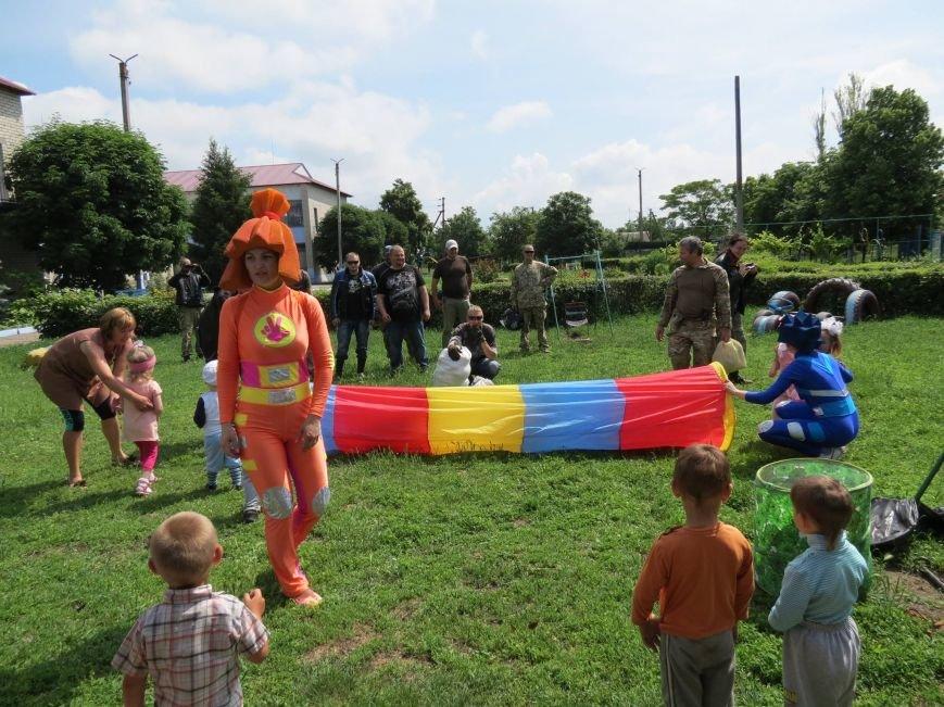 """Херсонские байкеры и волонтеры устроили """"игрушечный мотопробег"""" (фото), фото-5"""