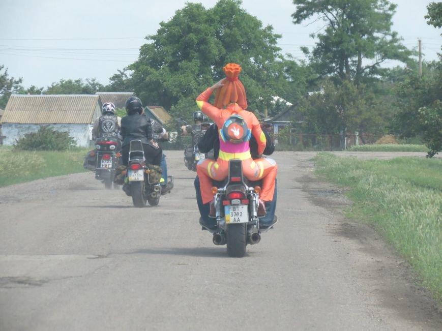 """Херсонские байкеры и волонтеры устроили """"игрушечный мотопробег"""" (фото), фото-3"""