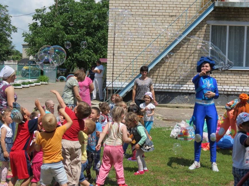 """Херсонские байкеры и волонтеры устроили """"игрушечный мотопробег"""" (фото), фото-1"""