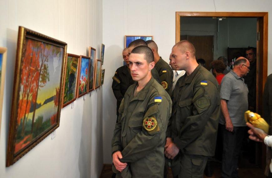 Заради пам'яті загиблого на війні батька юна черкащанка відкрила виставку картин (ФОТО), фото-1