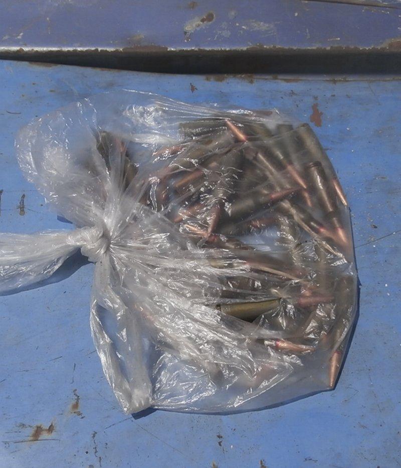 Мариупольские полицейские нашли в салонах автомобилей гранату и патроны (ФОТО), фото-2