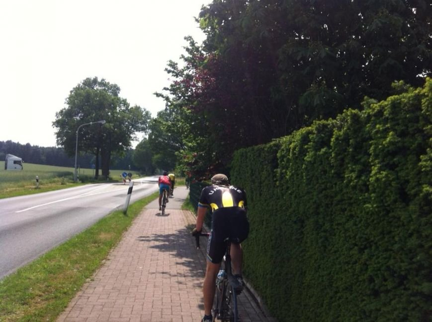 100 тыс. км за 100 дней: участники благотворительного велопробега, организованного жителем Херсонщины, уже в Германии (фото), фото-1