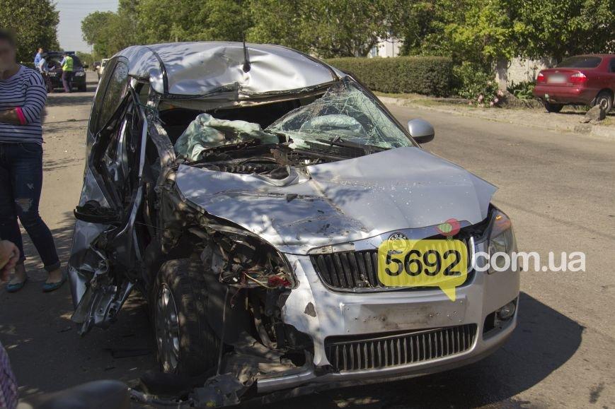 В Каменском в ДТП на Грушевского пострадала девушка, фото-5