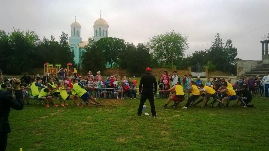 В Чернобаевке, детей, победивших в спортивной эстафете, наградили грамотами и сладостями (фото), фото-2