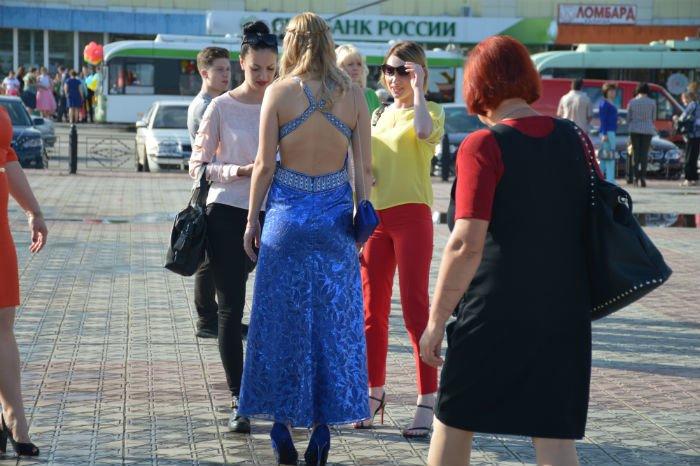 Всеукраинский новостной сайт высмеял северодонецких выпускниц (фото), фото-1