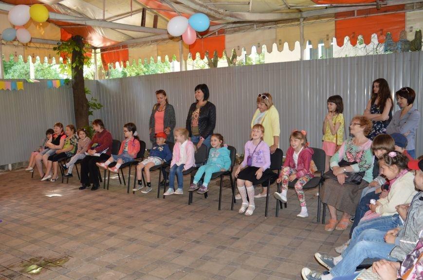 В Бахмуте устроили праздник для детей переселенцев, фото-3