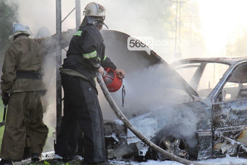 На проспекте Аношкина в Каменском сгорел автомобиль (ФОТО, ВИДЕО), фото-5