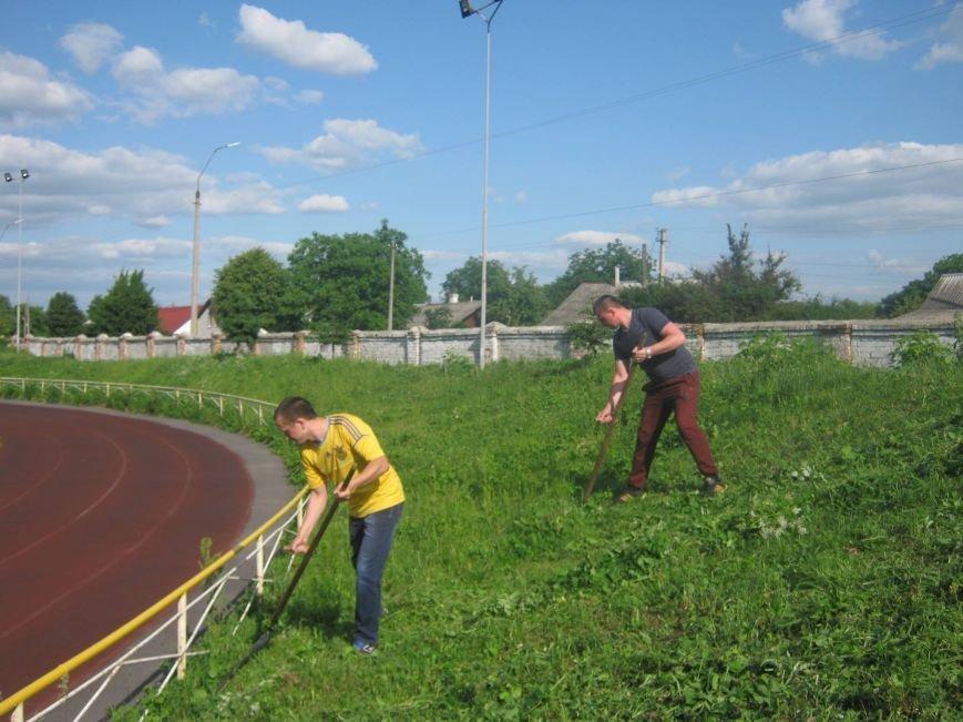 Новоград-волинські атошники брали участь у роботі по благоустрою нашого міста, фото-2