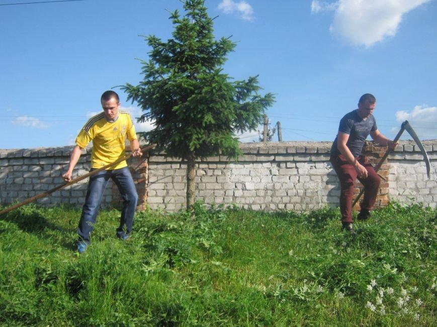 Новоград-волинські атошники брали участь у роботі по благоустрою нашого міста, фото-4