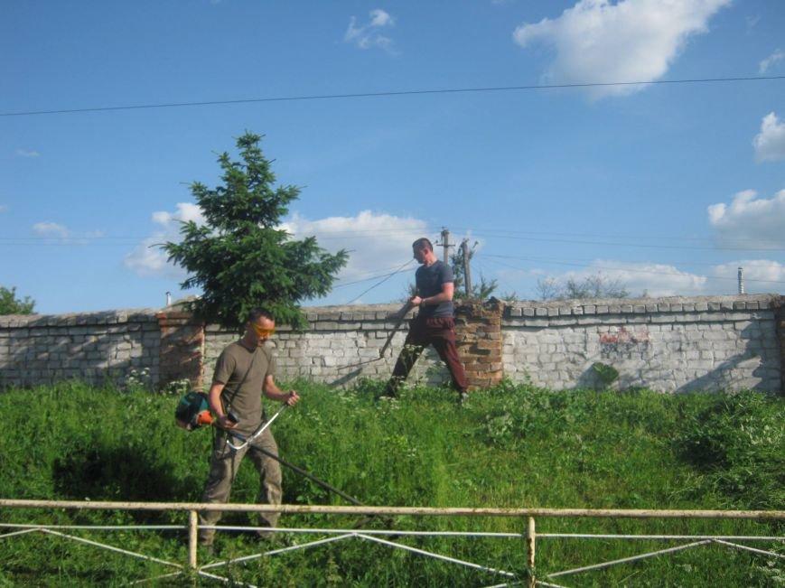 Новоград-волинські атошники брали участь у роботі по благоустрою нашого міста, фото-3