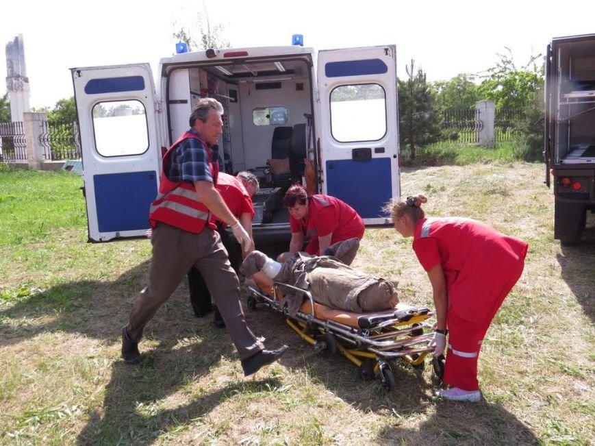 В Мелекино мариупольские спасатели вытаскивали людей из под обстрелов (ФОТОРЕПОРТАЖ), фото-25