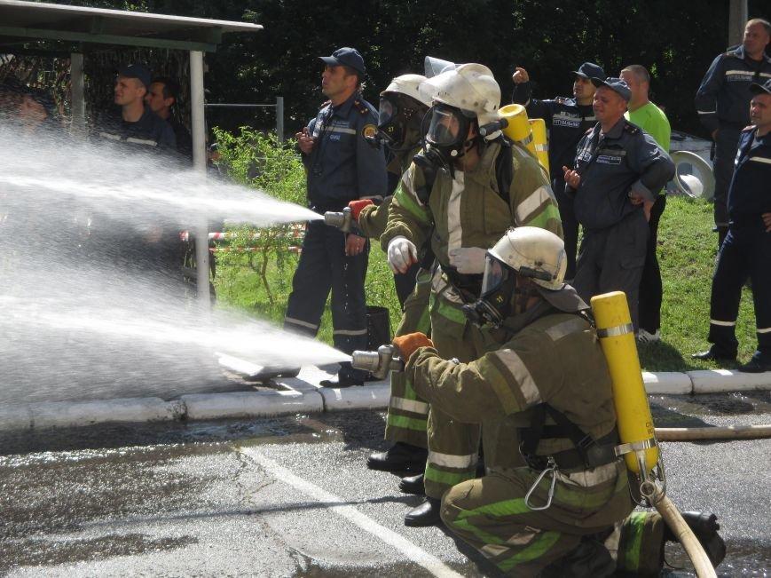 Як у Кременчуці пожежники з усієї області рятували з диму і вогню «постраждалих», фото-2