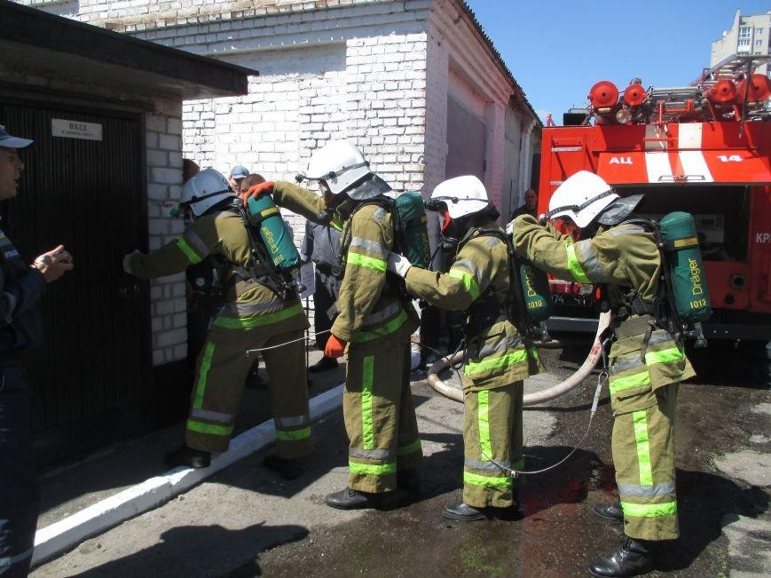 Як у Кременчуці пожежники з усієї області рятували з диму і вогню «постраждалих», фото-3