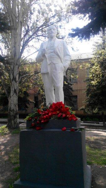 У ДНР повалили пам'ятник Леніну, фото-1