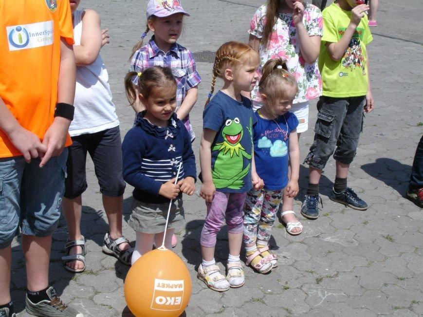 Фотофакт: як діти допомагали дітям, фото-1
