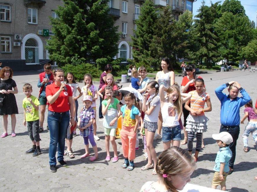 Фотофакт: як діти допомагали дітям, фото-7