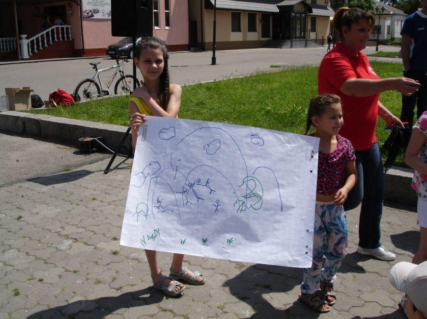 Фотофакт: як діти допомагали дітям, фото-2