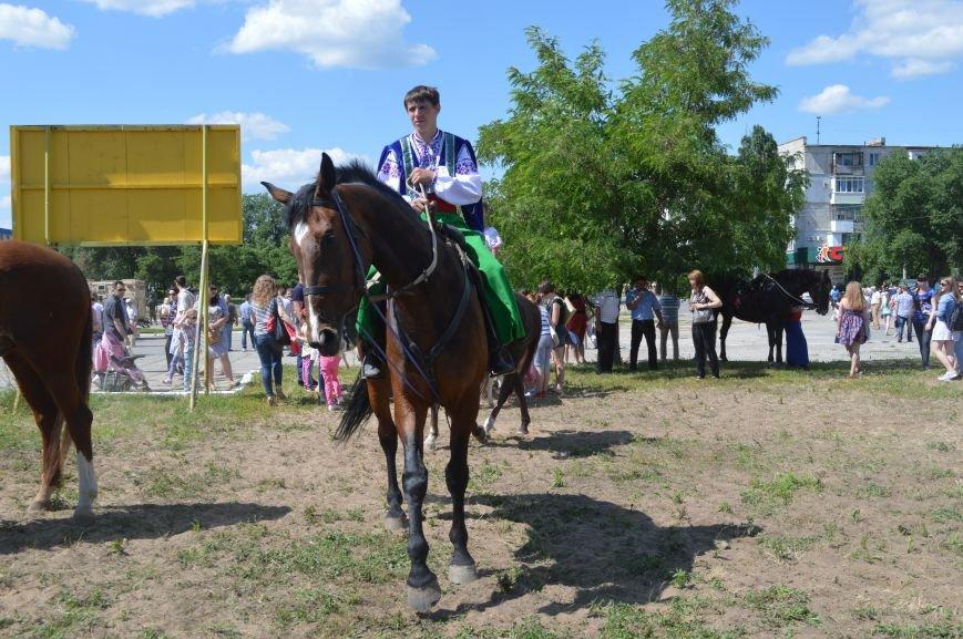 В Северодонецке выступил областной казачий конный театр (ФОТО), фото-1
