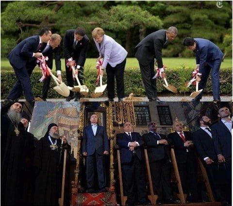 Курьезы недели: Путин и трон,  молчание Ющенко, закрома Романчука, фото-1