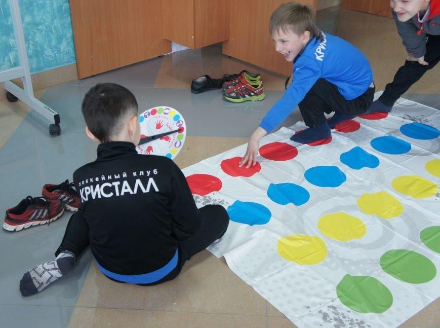 В сахалинском дворце спорта «Кристалл» начал работу детский лагерь, фото-4
