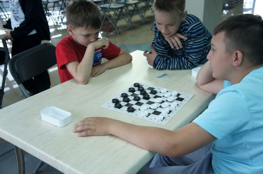 В сахалинском дворце спорта «Кристалл» начал работу детский лагерь, фото-3