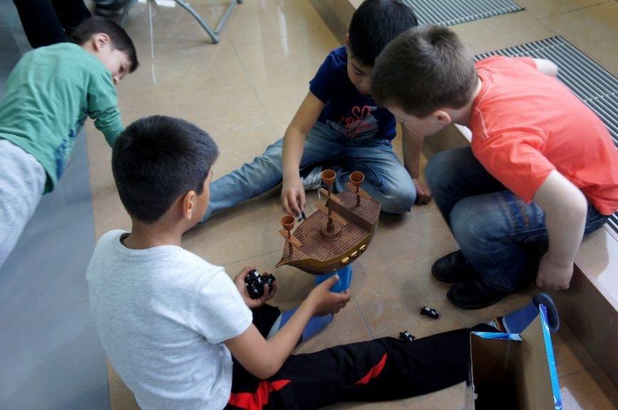 В сахалинском дворце спорта «Кристалл» начал работу детский лагерь, фото-5