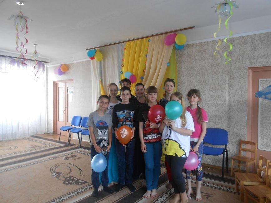 Православная молодёжь Доброполья подарила детям приюта праздник доброты, фото-5