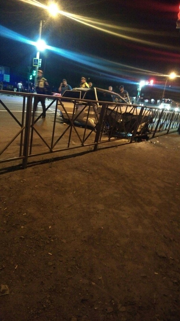 В Новошахтинске на Городской столкнулись два «ВАЗа», фото-1