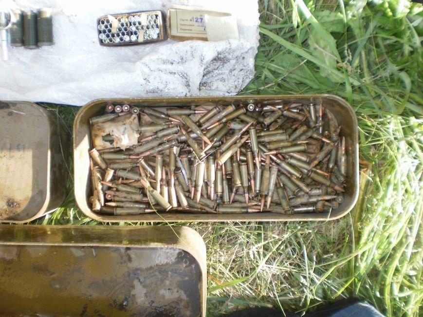 Возле Соледара правоохранители обнаружили схрон боеприпасов, фото-2