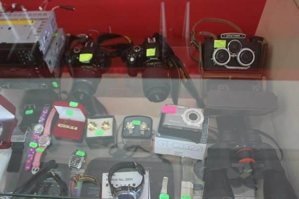 """В луганских магазинах """"Выкуп"""" торгуют отжатыми вещами из брошенных квартир (ФОТО), фото-3"""