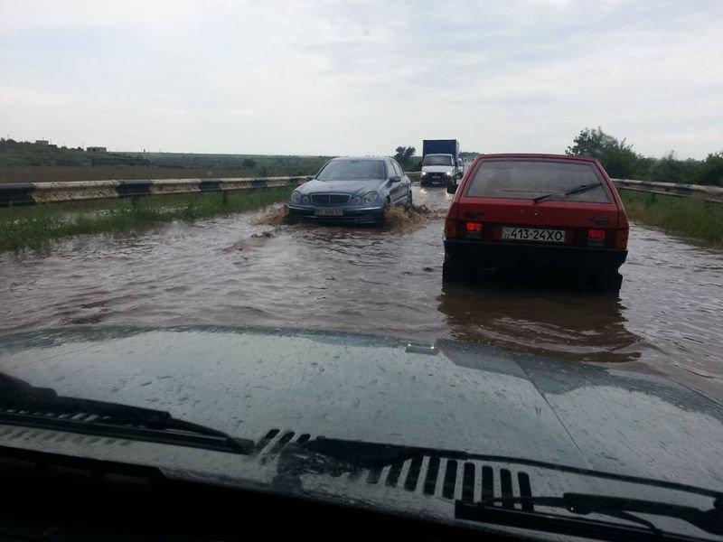 У Каховки затопило автотрассу (фото), фото-1