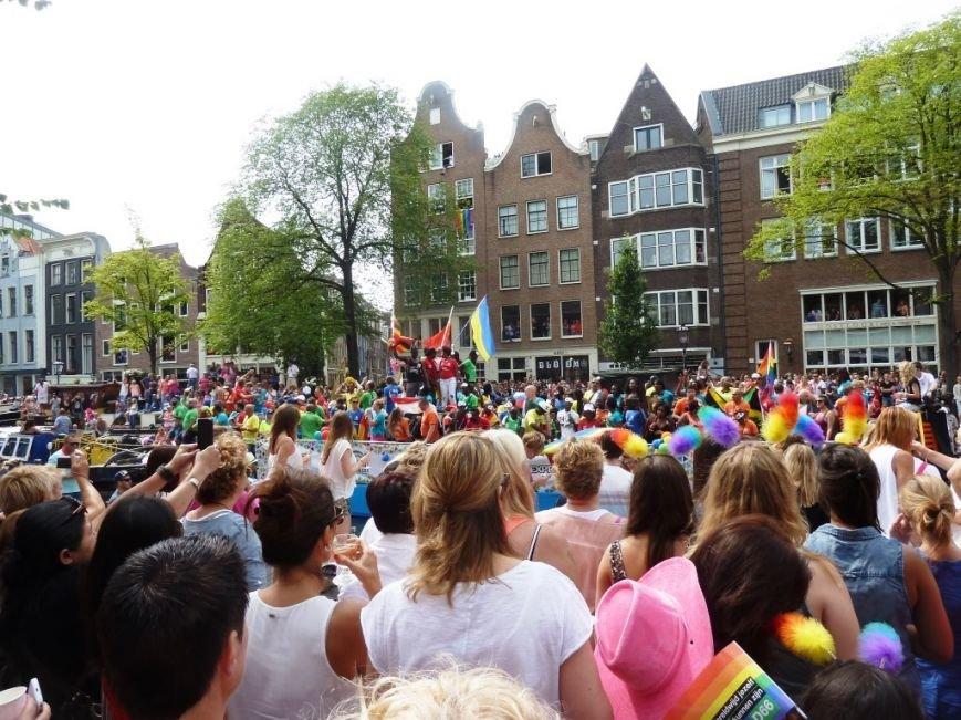 Страна тюльпанов, мельниц, велосипедов и свободной любви: «Амстердамгей-парад», фото-2
