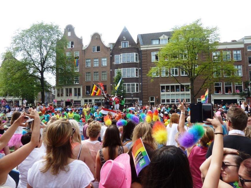Страна тюльпанов, мельниц, велосипедов и свободной любви: «Амстердамгей-парад», фото-1