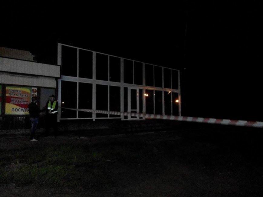 В  Запорожье из гранатомета обстреляли шашлычную (ФОТО), фото-5
