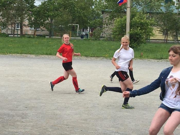 Юные футболисты Южно-Сахалинска провели товарищеские матчи, фото-1