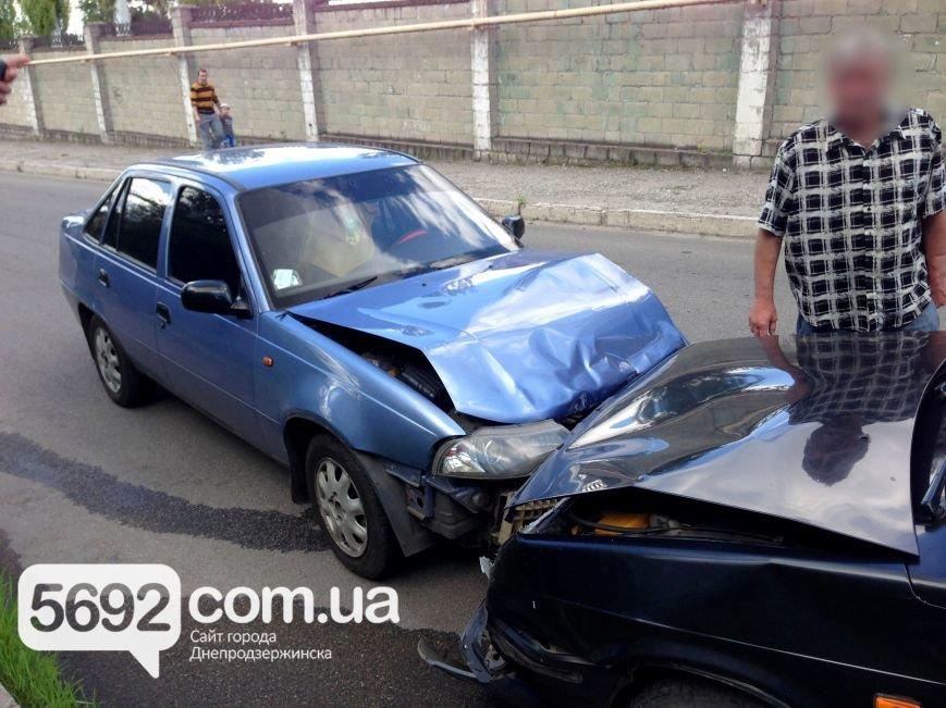 ДТП в Каменском: пьяный водитель устроил лобовое столкновение, фото-2