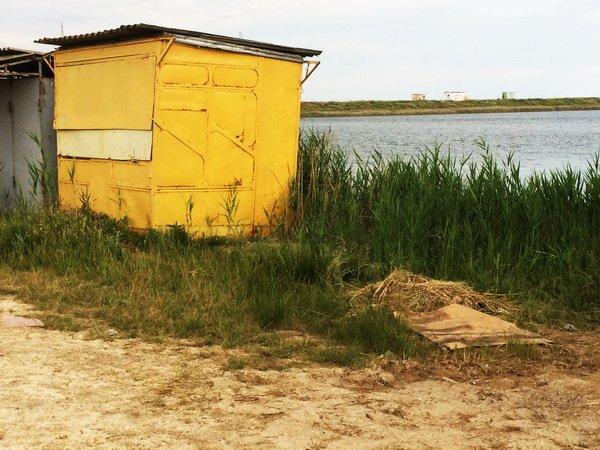 Курортный сезон стартовал, а на пляжах Азовского моря только начали наводить порядок (фото), фото-2