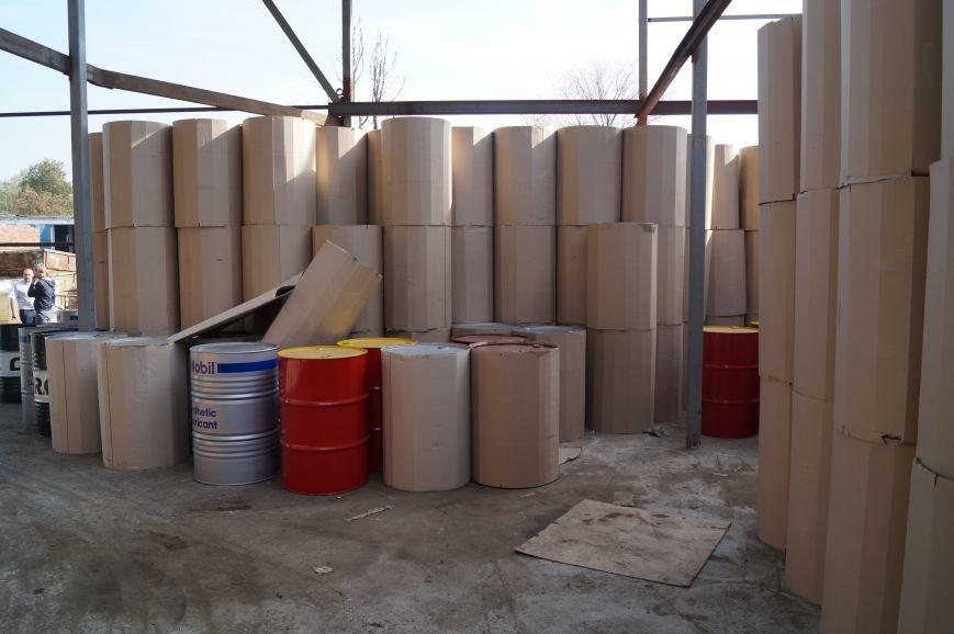 Правоохранители Новой Москвы нашли цех по производству поддельного моторного масла, фото-2