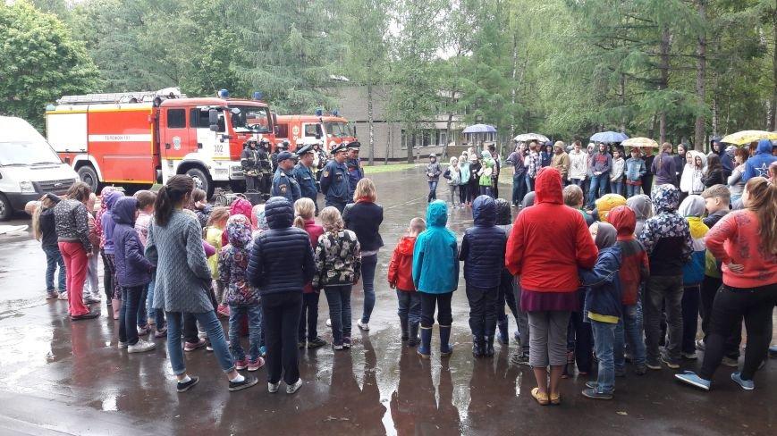 В Роговском поселении прошёл детский праздник, посвящённый году Пожарной охраны, фото-3