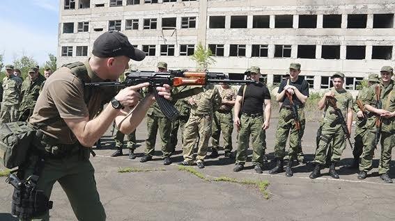 Мариупольские полицейские освободили административное здание от террористов (ФОТО+ВИДЕО), фото-10
