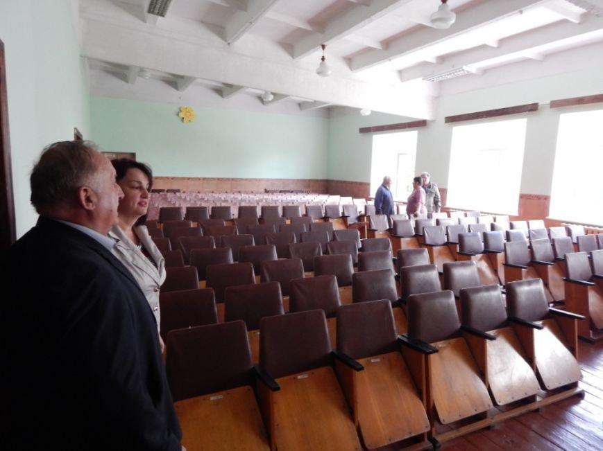 Одна з найстаріших шкіл Новограда-Волинського модернізується, фото-2