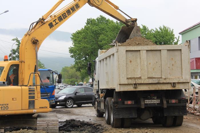 Продолжаются работы по реконструкции дорожной сети Южно-Сахалинска, фото-6