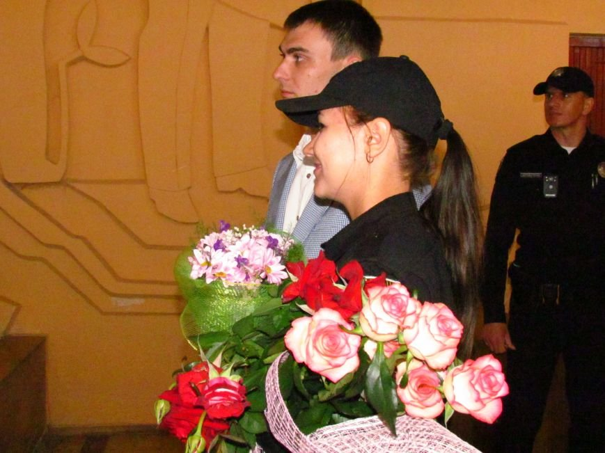 В Мариуполе впервые зарегистрировали брак металлурга с копом (ФОТО, ВИДЕО), фото-6