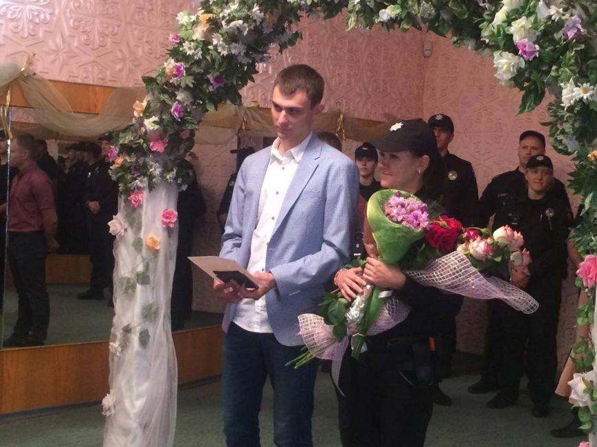 В Мариуполе впервые зарегистрировали брак металлурга с копом (ФОТО, ВИДЕО), фото-4
