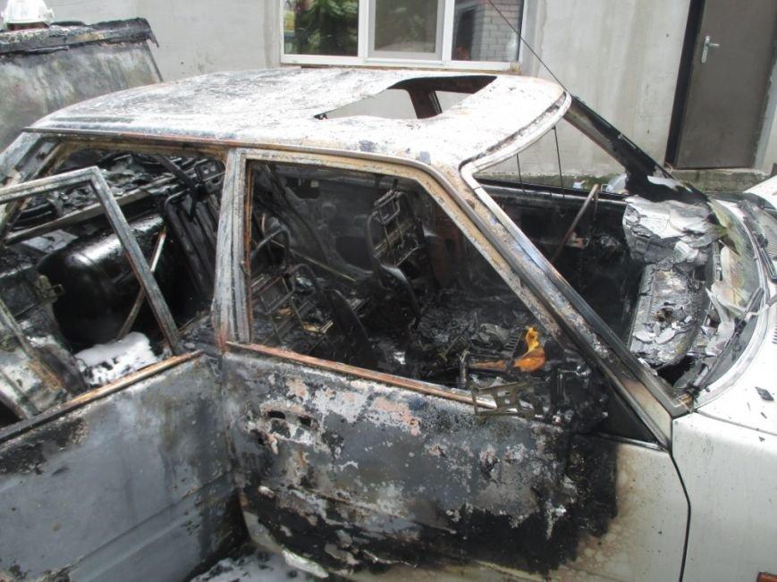 На одной из улиц Кременчуга сгорела Мазда 626 (ФОТО), фото-2