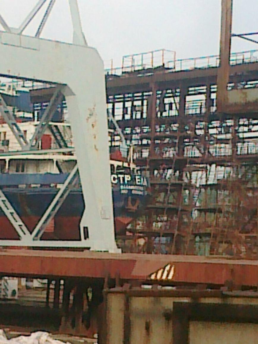На Херсонском судостроительном заводе ремонтируют суда страны-агрессора (фото), фото-3
