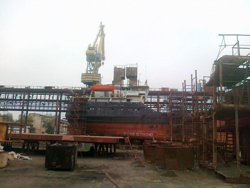 На Херсонском судостроительном заводе ремонтируют суда страны-агрессора (фото), фото-1