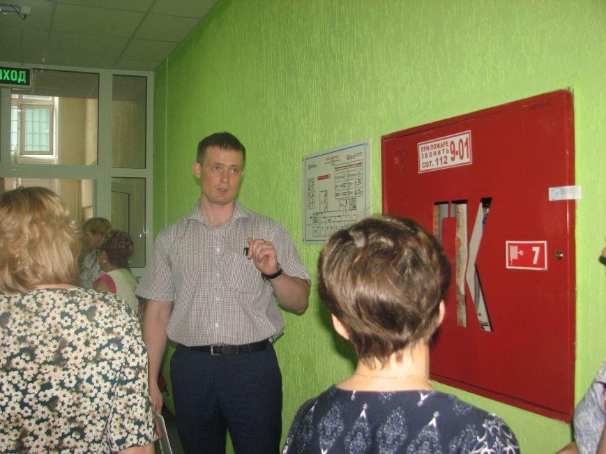 В Сыктывкаре прошел обучающий семинар по обеспечению антитеррористической безопасности объектов образования, фото-1